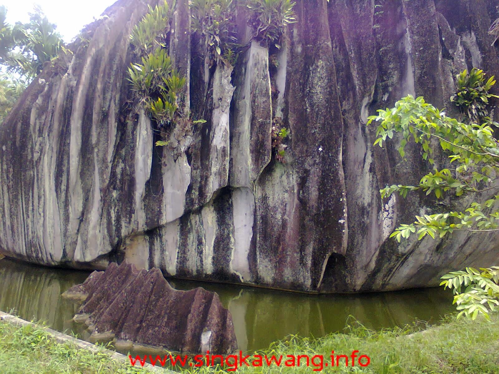 Batu Belimbing Singkawang