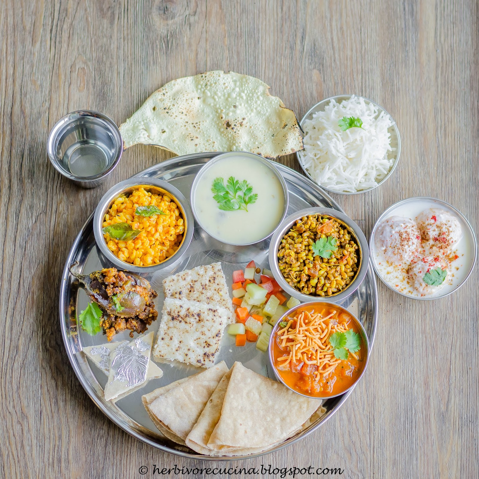 Herbivore cucina gujarati jain thali at first i thought i would take a break this month as i am on vacation with my family back home but just for the thali theme i decided to take up forumfinder Image collections