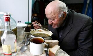 Πως είναι σήμερα ο 90χρονος που δεν έφυγε ποτέ από το Τσέρνομπιλ (Εικόνες)