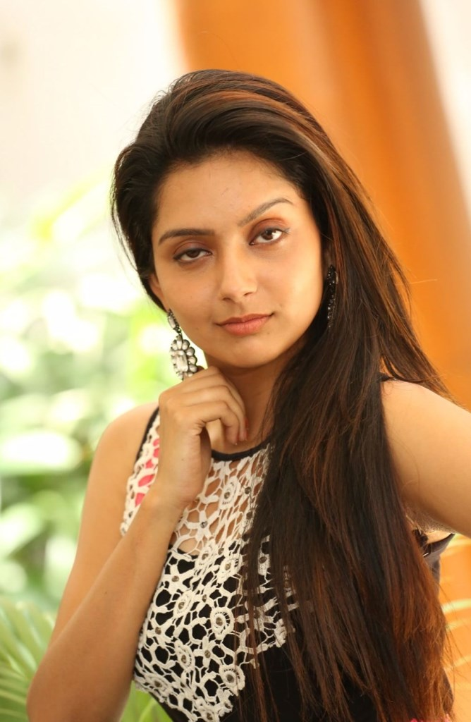 Global Pictures Gallery Mahima Nambiar Latest Hot -4110