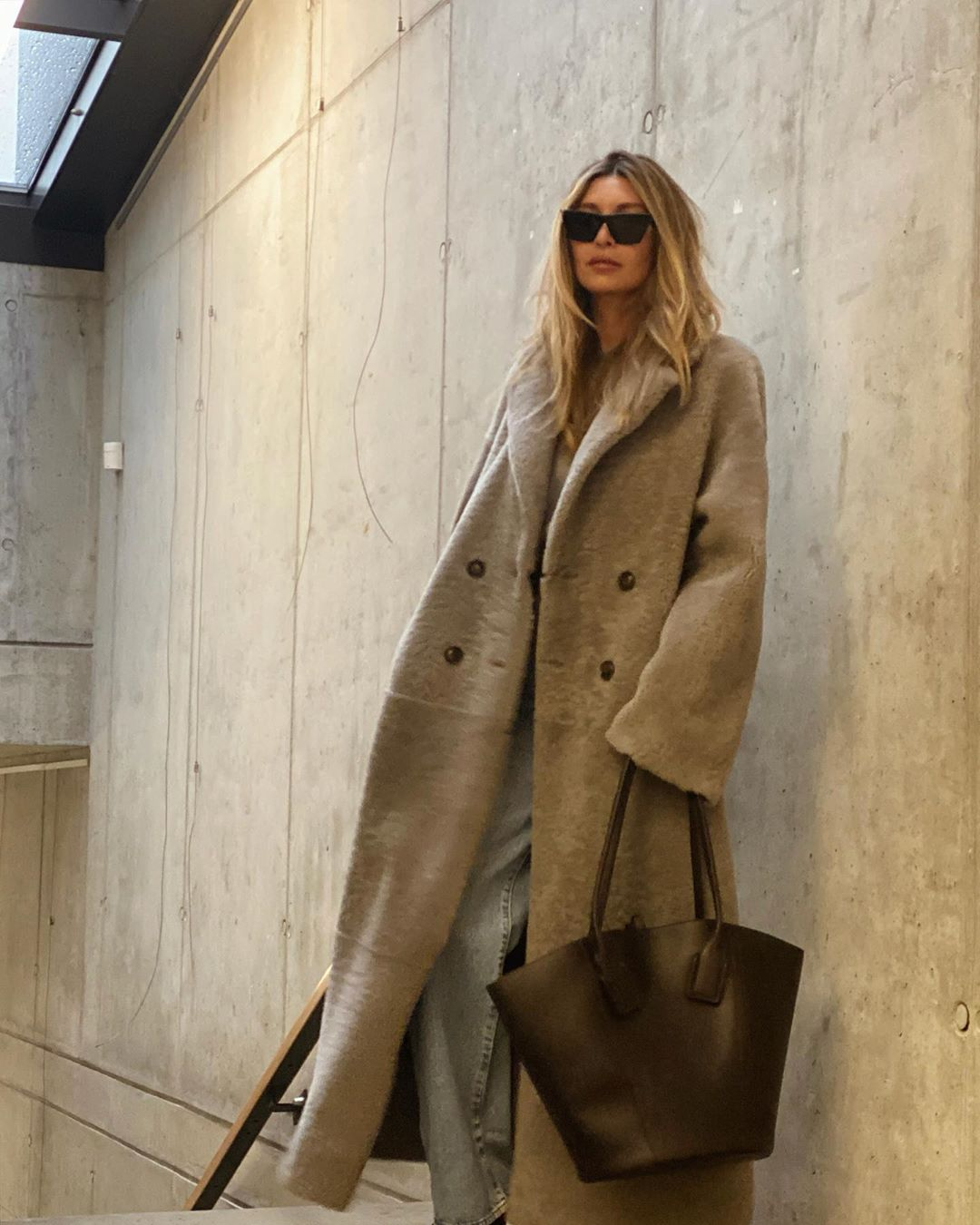 We're Obsessed With This Teddy Coat Look From Instagram — Ivana Mentlova Style