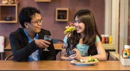 makan malam, makan malam rendah kalori, tips makan malam sehat, menu makan malam diet, jam makan malam diet, makan malam bersama keluarga, makan malam yang sederhana, makanan yang tidak boleh dimakan saat diet