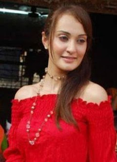 Vaishali Desai Family Husband Son Daughter Father Mother Marriage Photos Biography Profile.