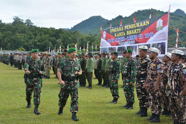 TNI Bangun Akses Jalan Lamno – Jantho 13,8 Kilometer