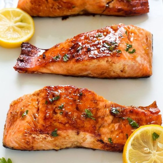HONEY GARLIC SALMON #Fish #Dinner