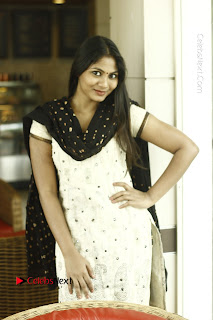 Actress Shruti Reddy Latest Po Shoot Gallery  0026.JPG