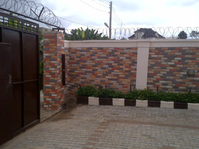 fence decoration with eco bricks