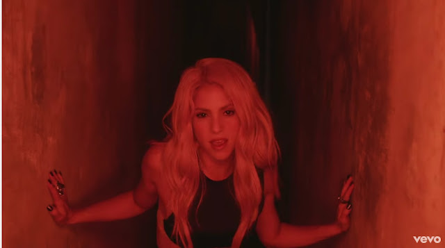"Shakira Premieres ""Chantaje"" (Salsa Version) Music Video"