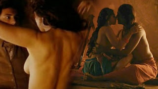 Radhika Apte hot intimate close scene in Parched