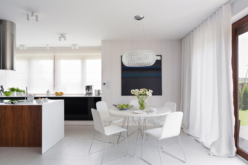 White modern table and chairs