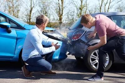Araba Kazası Sonrası Neler Yapılmalıyız Biliyor Muyuz?