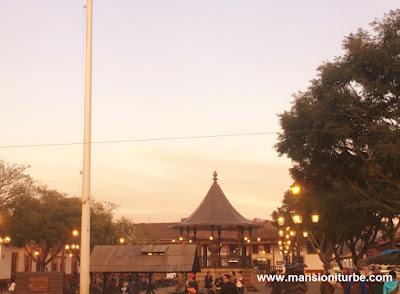 Plaza Principal de Santa Clara del Cobre, Michoacán