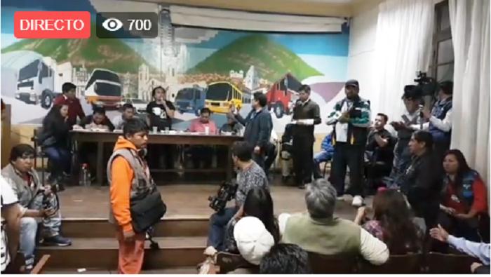 Asamblea chuquisaqueña fue transmitida en directo por Correo del Sur / CAPTURA