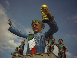 A giant-sized likeness of Marcello Lippi himself  figured in the Viareggio Carnival after Italy's World Cup triumph