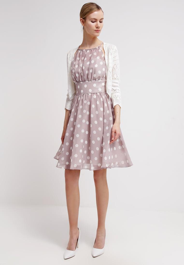 MAGIE DI MAGLIA Outfit per lu0026#39;invitata a un matrimonio le tendenze per la primavera 2017 da ...