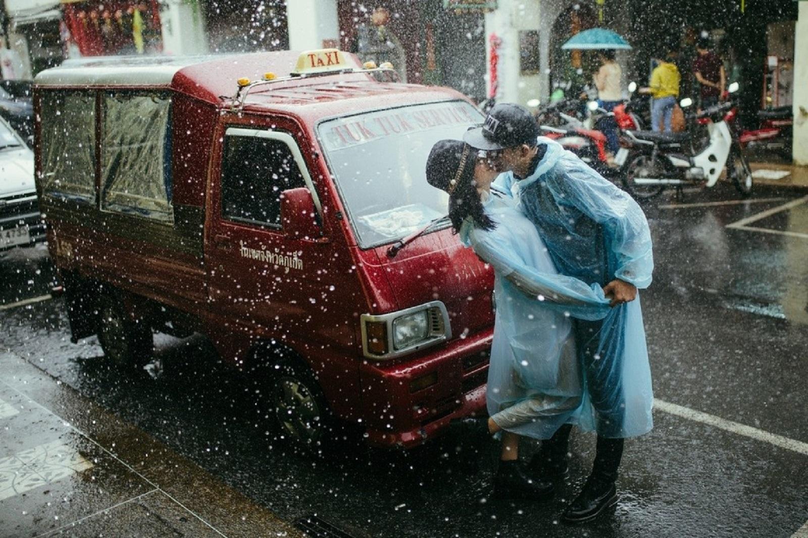 Cặp đôi người Gia Lai đi xuyên Đông Nam Á chụp ảnh cưới