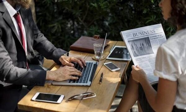 كيف غيرت التكنولوجيا المحسنة طبيعة الأعمال؟