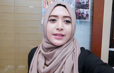 Hijab Tutorial Segi Empat Saat Di Kantor