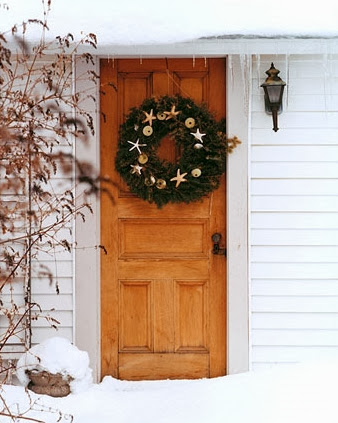 Christmas Front Doors with a Nautical and Coastal Theme ...