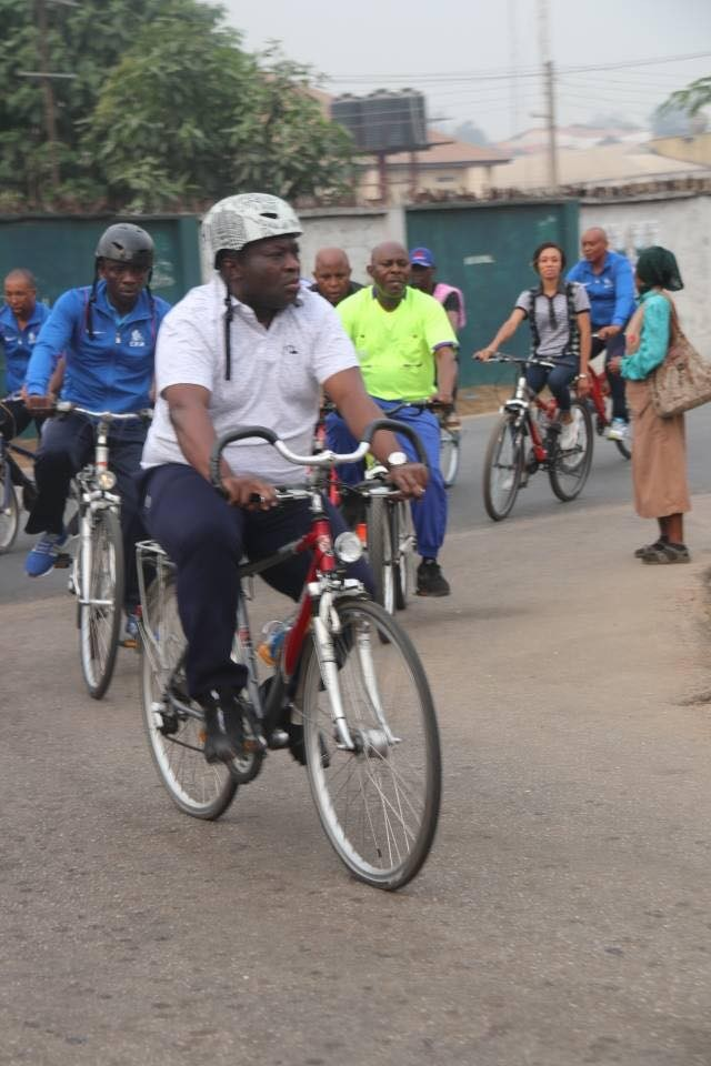 Abia-governor-rides-bicycle-through-the-streets-of-Umuahia-4