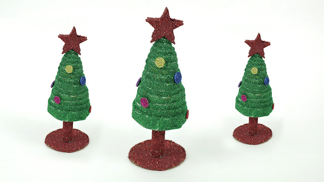 Newspaper Christmas Craft for Kids- DIY Christmas Tree