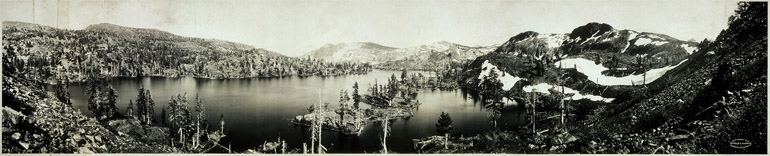 Photographie panoramique du lac Tahoe en Californie de 1910