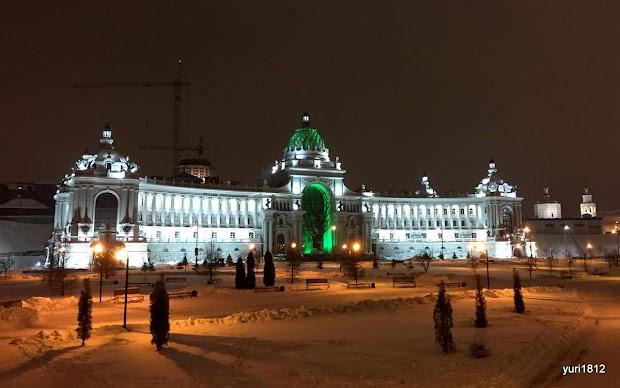 Дворец Земледельцев и Дворцовая площадь.