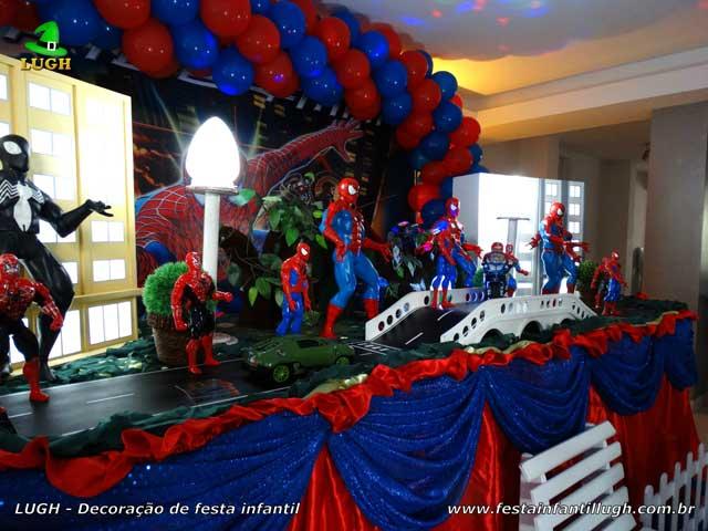 Decoração de festa infantil tema do Homem Aranha - Mesa de aniversário