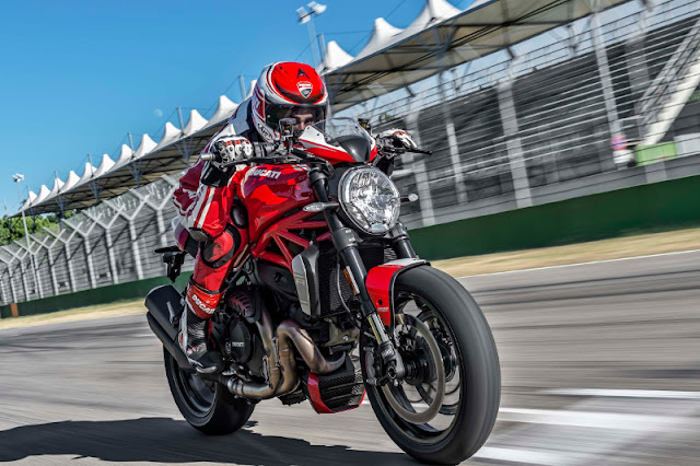 Ducati Monster 1200 R Review, Prices and Technical specifications