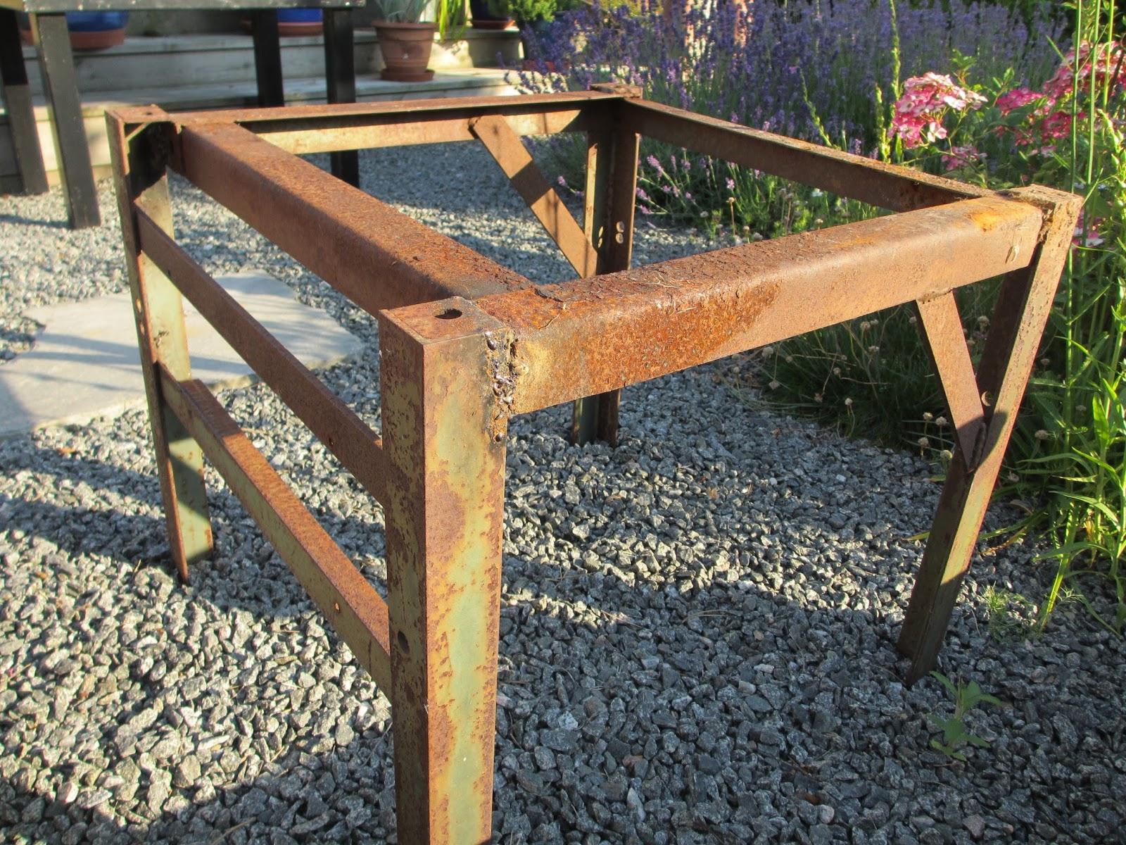 Trädgård i torslanda: betongbord   steg för steg