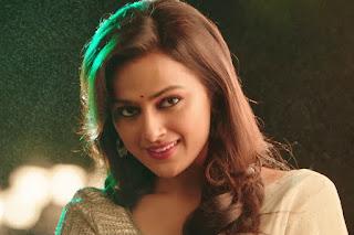Actress Shraddha Srinath Lovely Stills At Jodi movie