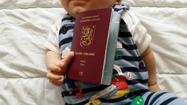 vauvan passi, suomen passi ulkomailla, raitahaalari