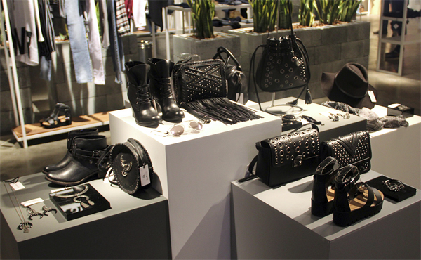 acessórios black total bolsas sapatos cintos chapéus e bijoux Renner