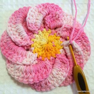 Flor-de-crochê-Bergamota-para-aplicação-em tapete-de-barbante