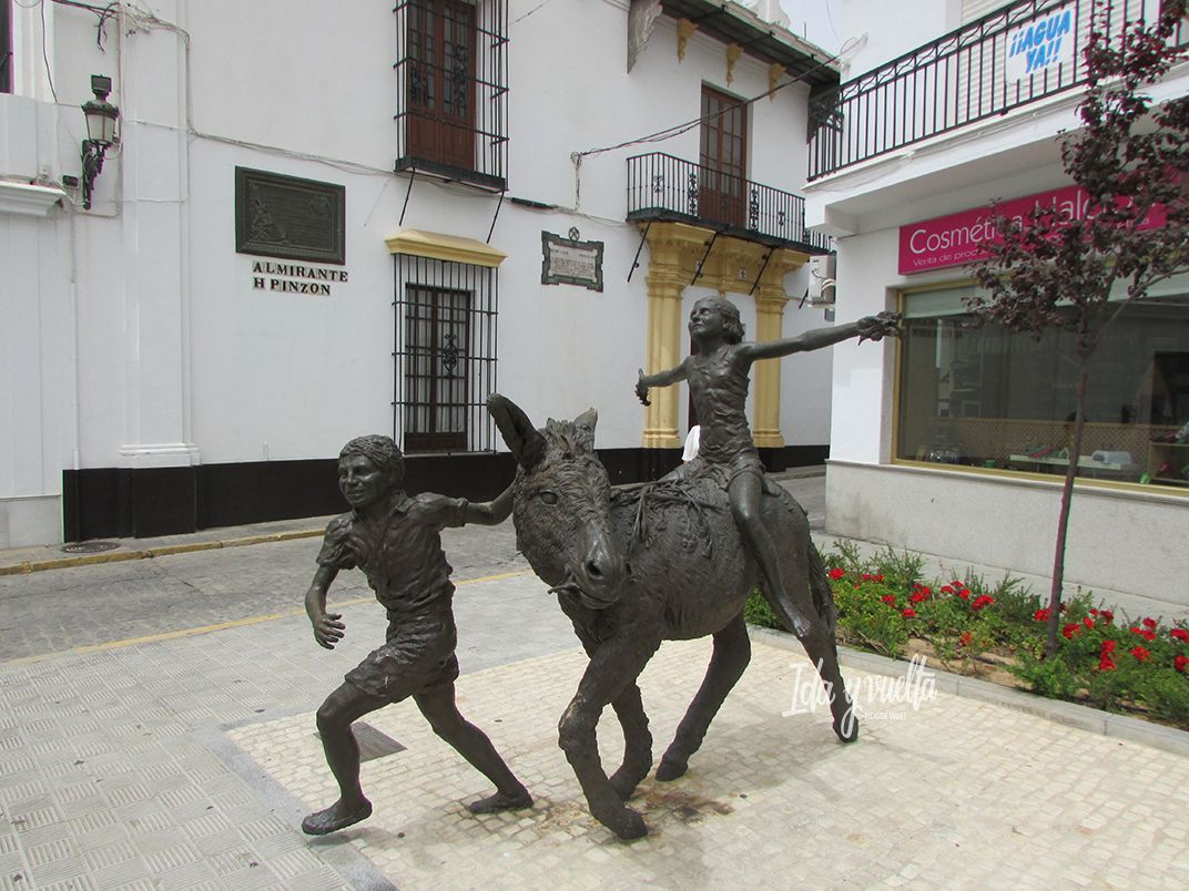 Estatuas grupo con Platero