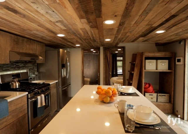 03-Kitchen-and-Dining-Area-LiL-Lodge-Tiny-Home-with-Great-Design-Features-www-designstack-co