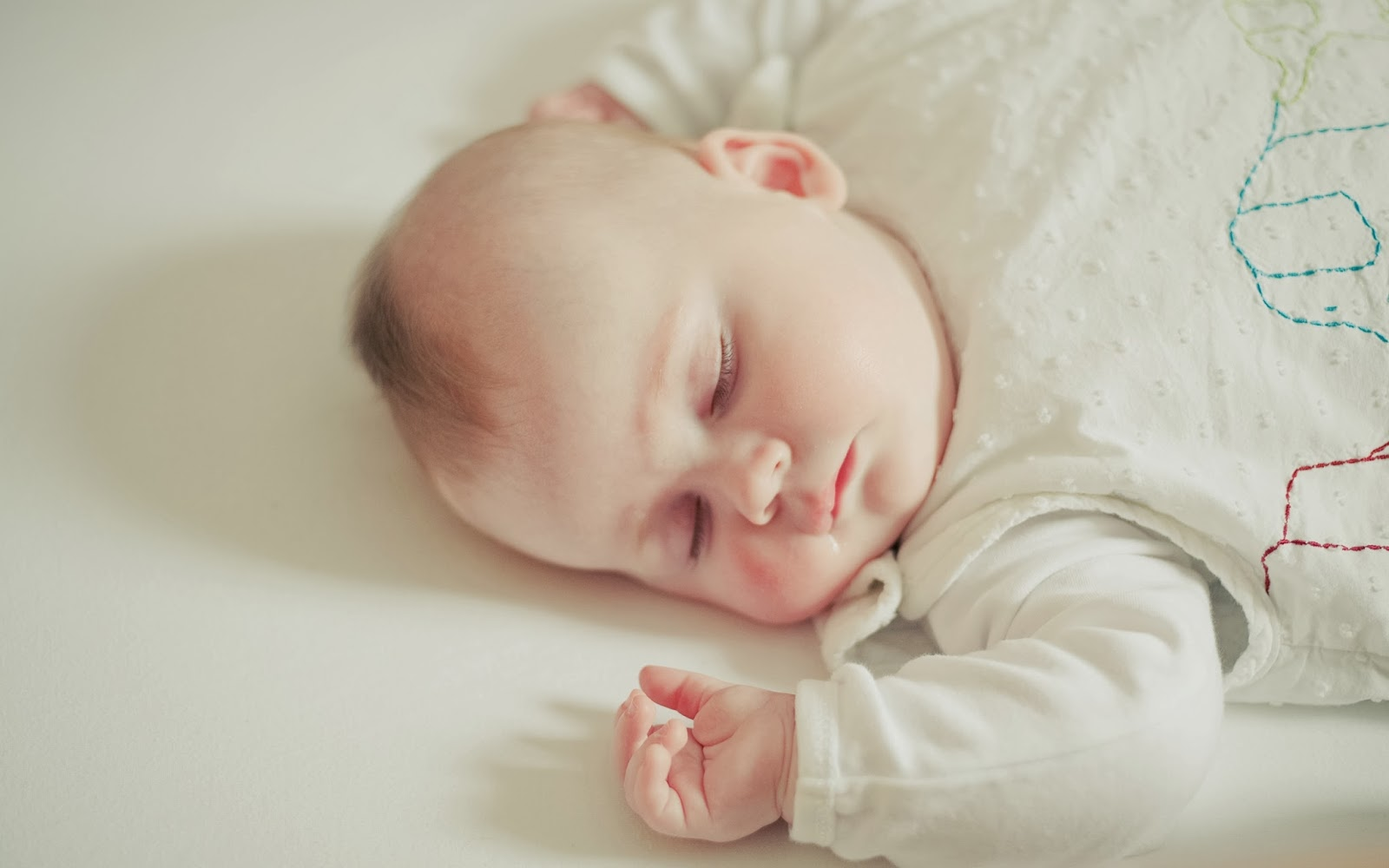 Cute Little Babies Hq 2 Wallpapers: Beautiful Wallpapers Collection 2014