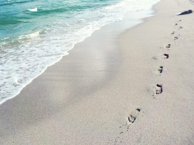footprints in the sand, Miami, florida