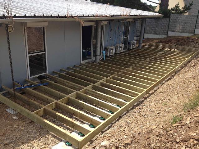 Terrasse bois plot reglable Coat Maen