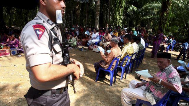 Tak Ada Izin, Pemda Singkil Perintahkan Jemaat Gereja Bongkar Tenda Ibadah