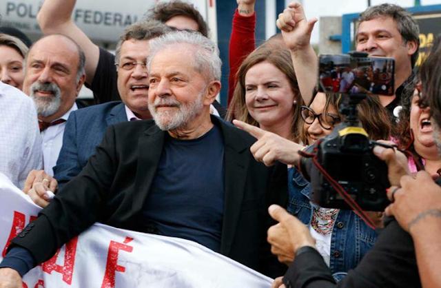 Ex-presidente da República Luiz Inácio Lula da Silva deixou a prisão