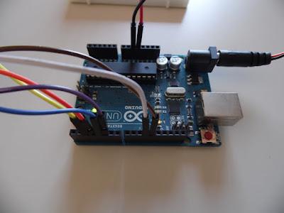 Collegamenti fra LCD e Arduino Uno R3 - foto di Paolo Luongo