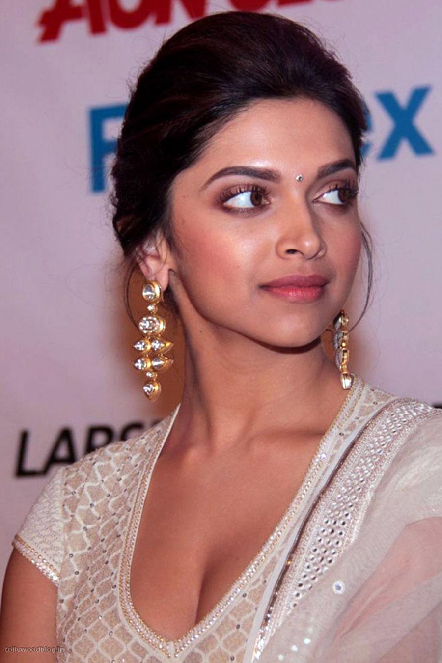 Deepika Padukone Latest Hot Photos Stills   24 hours cinema