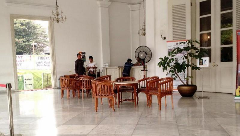 Balai Kota Jakarta sepi dari warga yang biasa mengadu ke Ahok
