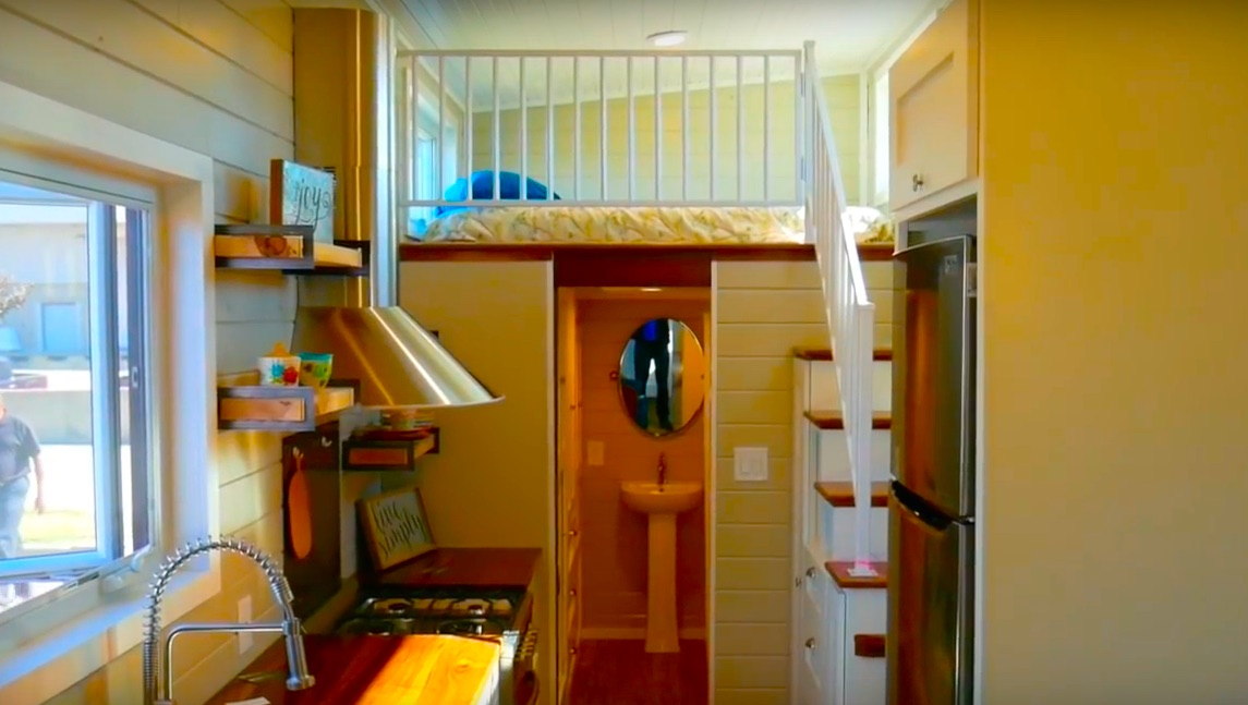 Aging Friendly MODERN Tiny House? (DOWNSTAIRS Bedroom And EASY Stairs)