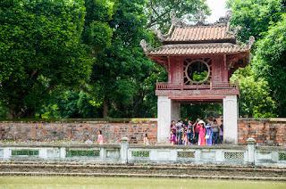 Interior templo de la literatura, Hanoi