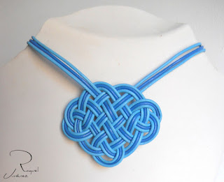 collar nudo celta azul
