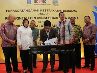 penandatanganan MOU antara Gubernur Sumut dengan Walikota Surabaya