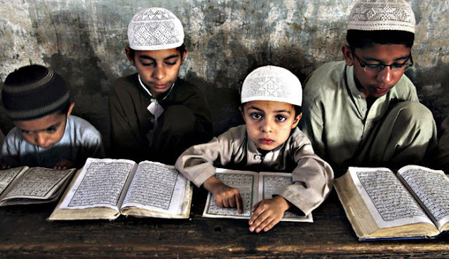 Crianças muçulmanas ensinadas a odiar os europeus