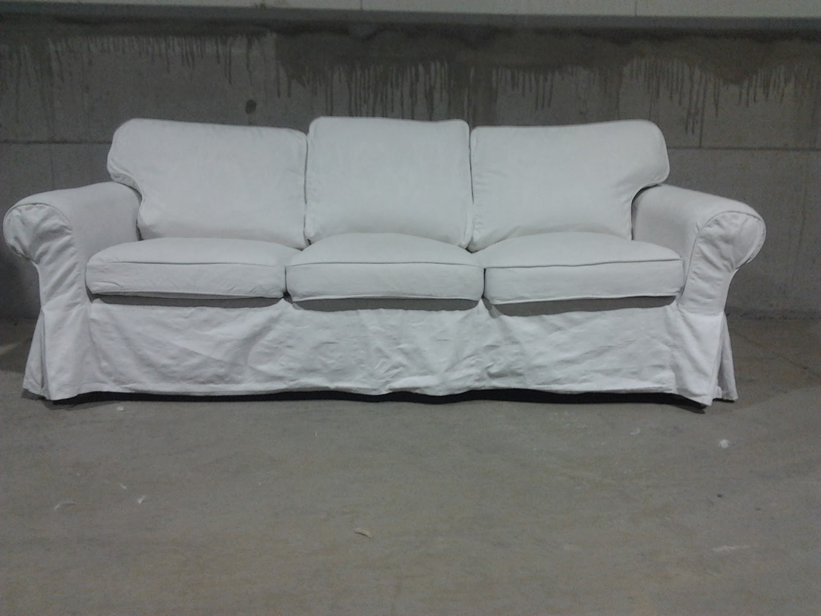 bric et brol canap blanc ektorp 3 places tr s style flamand shabby chic. Black Bedroom Furniture Sets. Home Design Ideas
